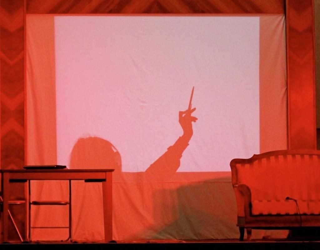 Un bacio sulle tue ciglia a chiuderti gli occhi - Teatro Filodrammatici Treviglio